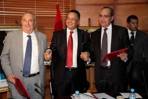 Manuel Jové Capellán (a la izquierda) junto a Deepak Seth y Lahcen Haddad