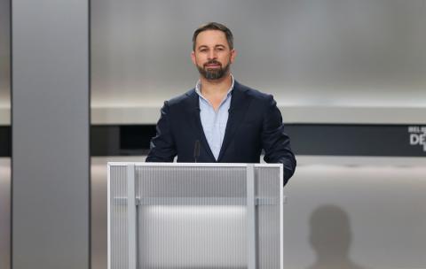 Santiago Abascal, líder de Vox, durante el debate electoral a cinco.