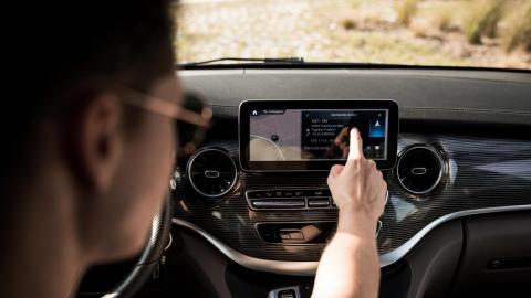 Sistema infoentretenimiento MBUX Mercedes Clase V