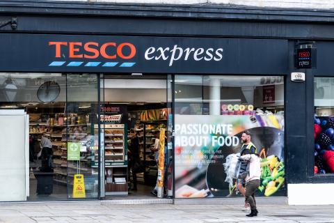 Tienda de Tesco Express en Londres.