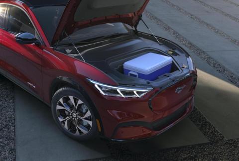 Sí, ¡el Mustang Mach-E tiene maletero delantero!