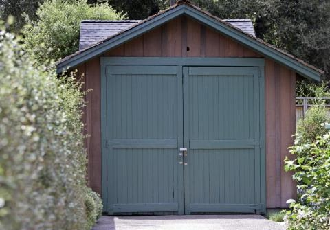 3. More than 80 years ago, Bill Hewlett and David Packard founded HP in Packard's garage in Palo Alto. It was designated a historic site in 1987, and HP bought the property in 2000 for $1.7 million.