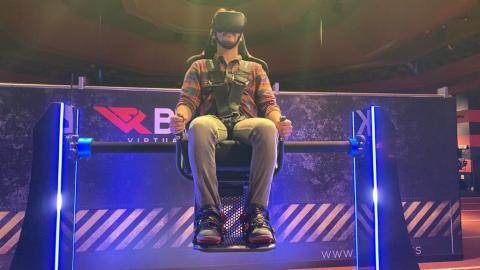 Además de los juegos de realidad virtual, también hay una experiencia 360º en una silla giratoria, pero me pareció una experiencia menos satisfactoria