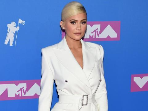 Kylie Jenner le cantó la frase a su hija en un videoclip ahora famoso.
