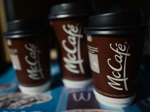 De acuerdo con la CNBC, McDonald's vendió cerca de 822 millones de tazas de café solo en Estados Unidos.