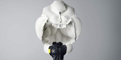 Casco airbag para motoristas y ciclistas