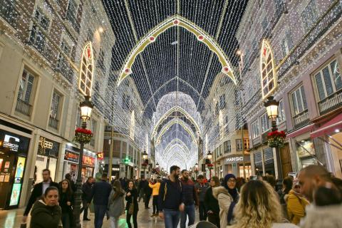 Decoración navideña en calle Larios (Málaga).