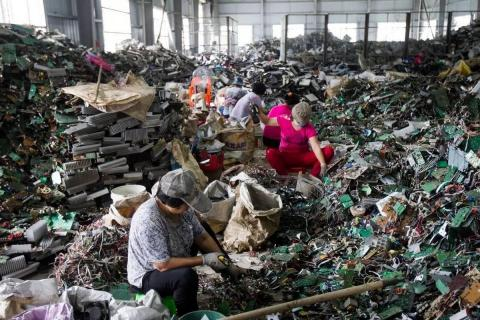 Dónde va a parar la basura tecnológica que tiramos
