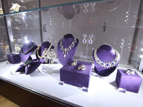 La colección de joyas de Elizabeth Taylor estaba llena de objetos raros.