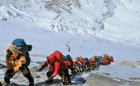 Lines waiting to reach the summit of Mount Everest are causing serious safety concerns.
