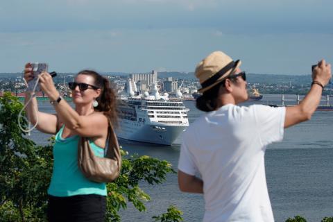 Fotógrafos de un crucero.