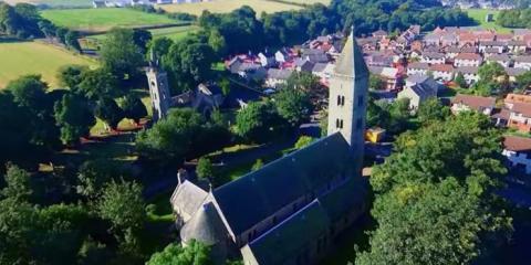 Una imagen de Bo'ness en Escocia, de donde son los Fry.