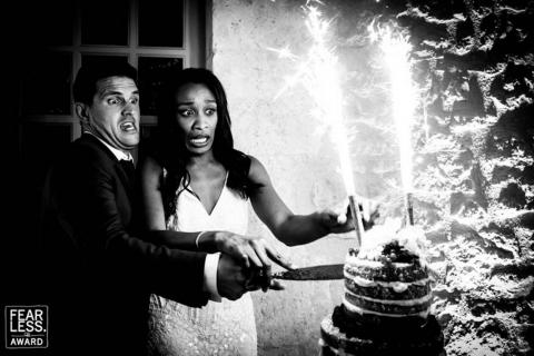 Tanto el novio como la novia parecen preocupadosn.