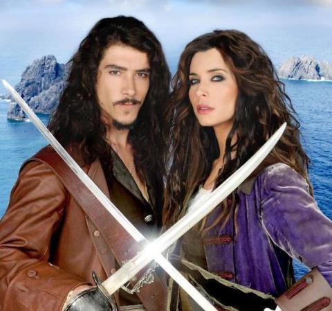 Oscar Jaenada y Pilar Rubio en el cartel promocional de Piratas.