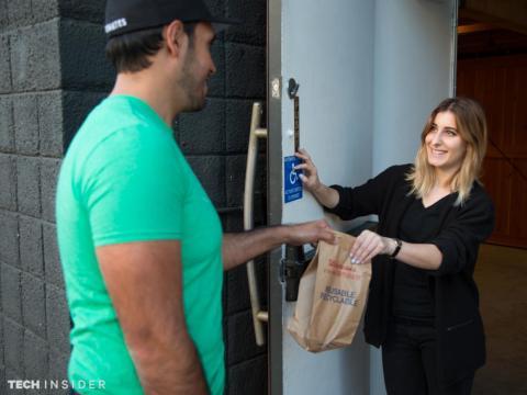 Postmates nació en San Francisco en 2011. Hoy en día, la empresa, que emplea a miles de mensajeros opera en más de 3.000 ciudades.