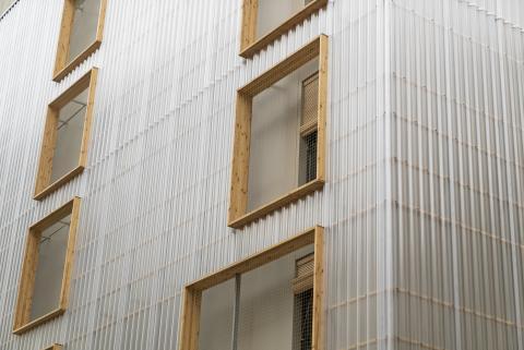 Protección del edificio de Alojamientos de Proximidad Provisionales (APROP).