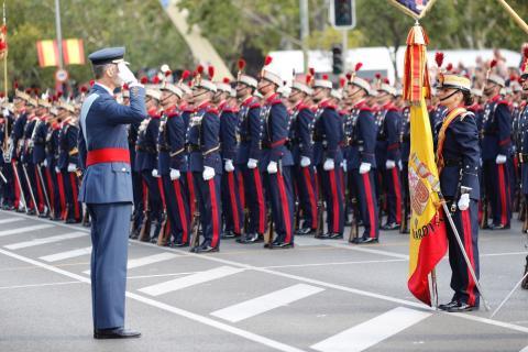 El rey Felipe VI durante el desfile del 12 de octubre de 2017.
