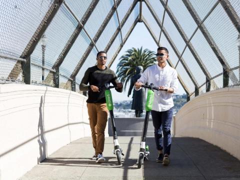 La empresa de alquiler de scooters y bicicletas, Lime está valorada en 2.400 millones de dólares después de haber recaudado más de 777 millones de dólares desde su lanzamiento en 2017.