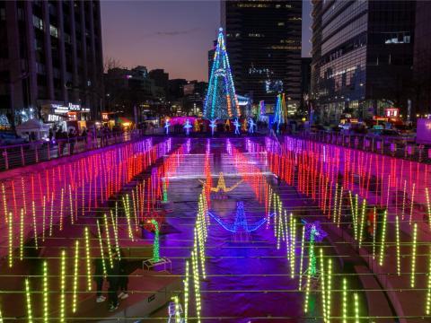 El Festival de Navidad de Seúl en Cheonggyecheon Stream en 2017.