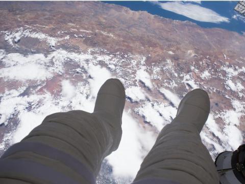 El astronauta Thomas Pesquet realizó una caminata espacial a 417 kilómetros sobre Argentina. 13 de enero de 2017.