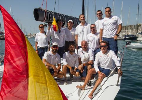 La tripulación del Aifos 500 durante la última Copa del Rey de vela.