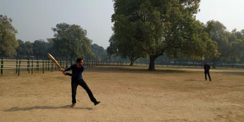 Pichai jugando al cricket.