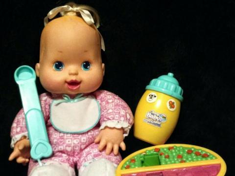 Muñeca Baby All Gone con accesorios de 1996.