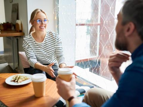 8. Aceptar una invitación a tomar café