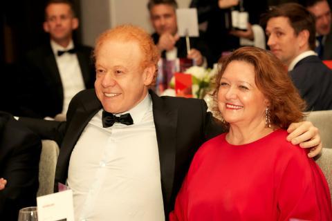 Anthony Pratt, CEO de Pratt Industrie, junto a la magnate australiana Gina Rinehart.