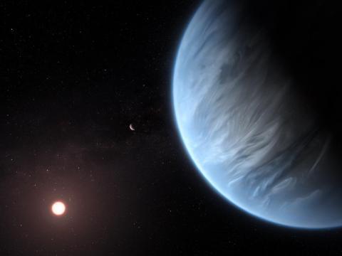 Ilustración del planeta K2-18b junto a su estrella anfitriona y otro planeta del sistema.