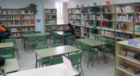 Biblioteca del instituto Bel Al Jatib.