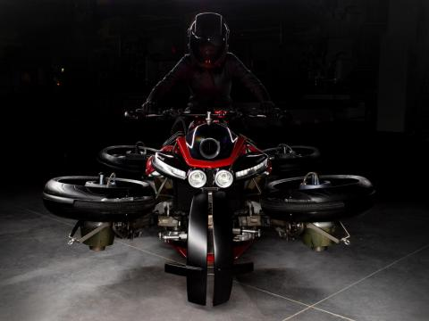 The bike was built for easy handling, inspired by other Lazareth vehicles.