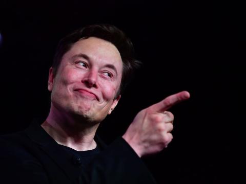 Cisne Gris 7: Tesla se asocia con Hyundai