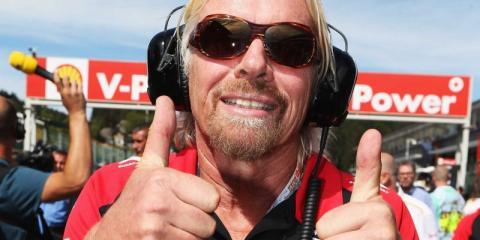 Es difícil encontrar una foto de Richard Branson en la que no se esté divirtiendo.
