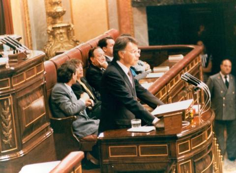 Felipe González pronuncia su discurso de investidura en las Cortes en 1986.