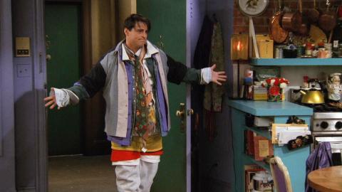 Friends - Joey vistiendo toda la ropa de Chandler