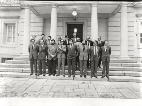 González, junto a su primer Gobierno, en el Congreso de los Diputados.