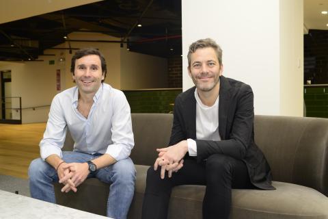 Iñigo Amoribieta, máximo responsable en España de Otovo y Andreas Thorsheim, CEO y fundador de Otovo.