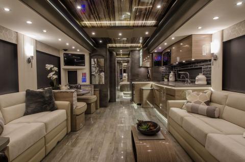 Interior del 2020 Newell Coach p50.