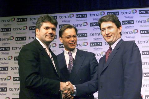 Juan Villalonga y Bob Davis cierran la compra de Lycos por parte de Terra Networks, 2000.