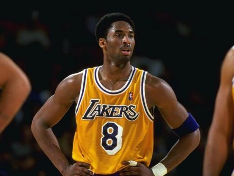 Kobe Bryant en su año de rookie.