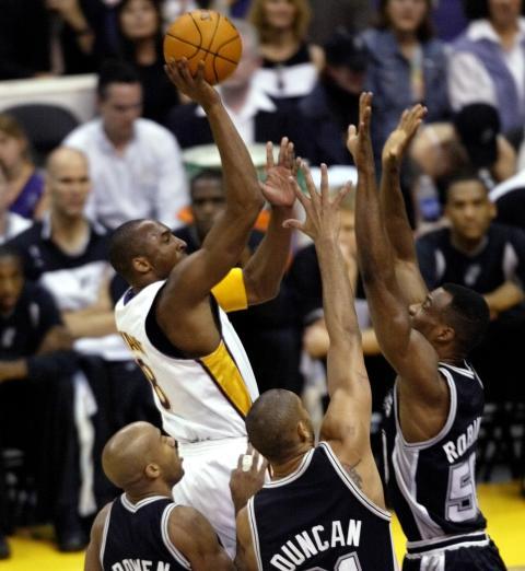 Kobe Bryant frente a los San Antonio Spurs (2003).