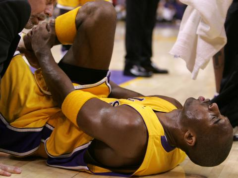 Kobe Bryant, lesionado en 2013.