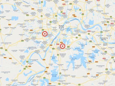 Un mapa muestra la ubicación de los dos emplazamientos donde se están levantando los hospitales de Wuhan.