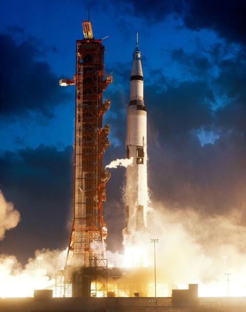 La misión Apolo 4 se lanza desde el Centro Espacial Kennedy de la NASA, el 9 de noviembre de 1967.