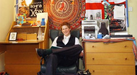 El príncipe Harry en el instituto.
