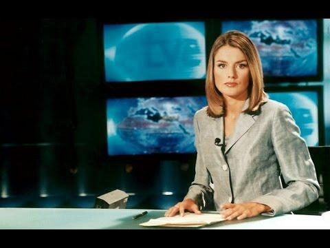La reina Letizia trabajando como periodista.