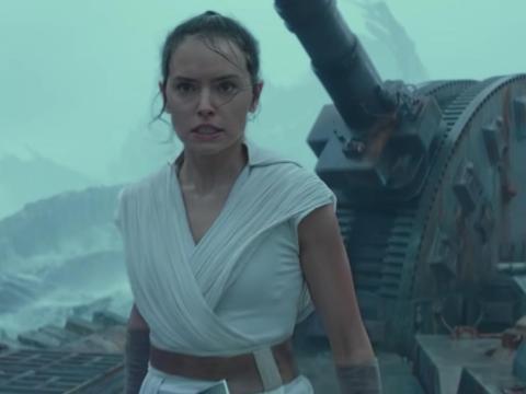 Los dos exploradores están en lugares importantes hasta el último de los Sith.