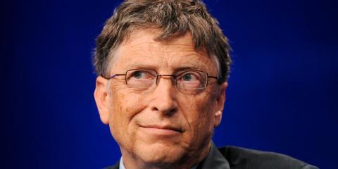 Los ricos deberían pagar más impuestos, según Bill Gates