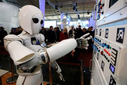 Robot con inteligencia artificial.